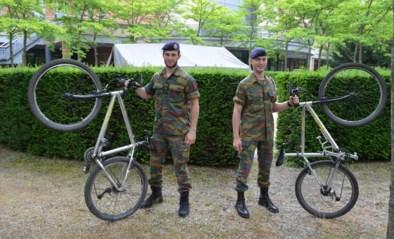 """Laatstejaars Koninklijke Militaire School fietsen nog hele week onafgebroken voor het goede doel: """"Sommigen zitten al 800 kilometer in het zadel"""""""