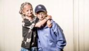 """Progeriapatiënt Amber (15) krijgt dan toch een coronavaccin: """"Wat een opluchting"""""""
