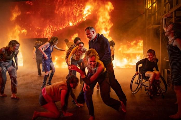 RECENSIE. 'Age of rage' van Ivo van Hove en Internationaal Theater Amsterdam: De Trojaanse rockoorlog ***