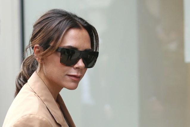 Victoria Beckham laat prijzen feestjurken drastisch zakken