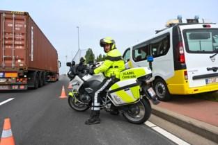 """Haven meet uitstoot vrachtwagens: """"Regelrechte fraude bij 1 op de 10 onderschepte trucks"""""""
