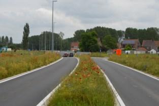 Nieuwe verkeerswijzigingen in Hansbeke, overwegtunnel niet klaar voor kermis