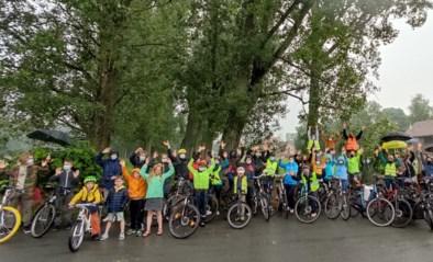 """Actievoerders vragen veilige fietsverbinding: """"Angst om hier te fietsen, zeker met kinderen"""""""