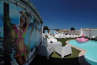 D single cap mann swinger hotel adge Lifestyle Resorts