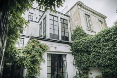 Wonen als miljonair in Brussel, tenminste als je bereid bent tuin en keuken te delen en een aantal problemen erbij te nemen