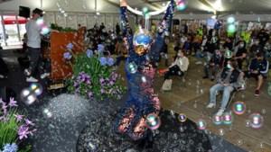 Tomorrowland-dj's en een prik van Marc Van Ranst: vaccinatiecentrum verrast jongeren met festivalsfeer