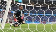 Van schlemiel naar held: Unai Simon redt Spanje in strafschoppenserie tegen Zwitserland