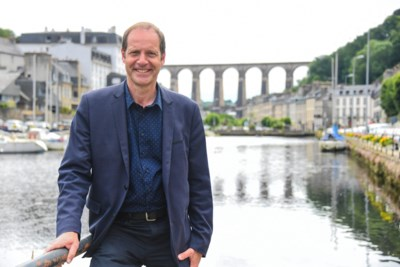 "Tour-directeur Christian Prudhomme prijst Van der Poel hemel in na gepland vertrek: ""Allez Poupou, Allez Mathieu… ik hoorde niks anders"""