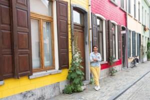"""Joke Devynck is verliefd op de kleurrijke huisjes in de Peperstraat: """"De mensen lopen er blijer door rond"""""""