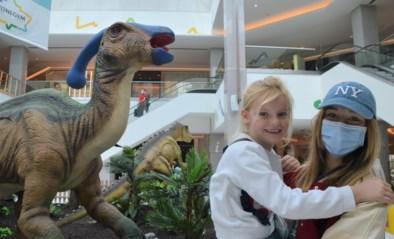 Twaalf dinosaurussen palmen hele zomer Wijnegem Shopping Center in