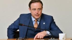 """Bart De Wever stelt tienpuntenplan tegen georganiseerde misdaad voor: """"Gaan we echt wachten tot hier ook gezagsdragers of journalisten worden aangevallen?"""""""