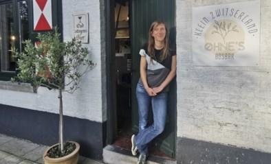 """Na verpakkingsarme winkel opent Lieselotte nu ook OHNE's Bosbar: """"We raden klanten aan om doosje mee te brengen om hun overschot mee naar huis te nemen"""""""