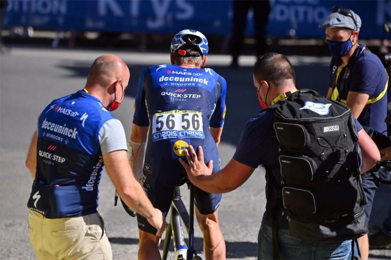 Tim DeClerk melewati garis finis setelah melakukan perjalanan solo yang dipaksakan melalui jatuh yang berat: