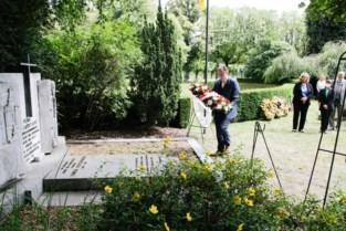 Plechtigheid 11 juli Schoonselhof: De Wever legt krans neer bij graf oud-burgemeester