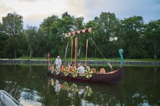"""Met drakenschip Nøkkvi op Vikingexpeditie op kanaal Dessel-Schoten: """"Vikingen waren hygiënisch"""""""