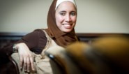 Ihsane Haouach, de vrouw die de regering op stelten zet met haar hoofddoek en haar uitspraken