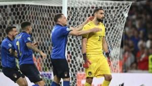 """Italiaans doelman Donnarumma verklaart koele reactie na beslissende penaltysave: """"Ik besefte niet dat we gewonnen hadden"""""""