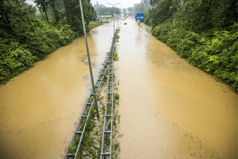 Heavy rain causes heavy flooding, but center of gravity is yet to come