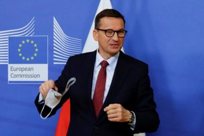 Polen steekt middenvinger op naar EU: hoe Warschau de rechtsstaat steeds meer links laat liggen