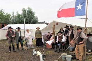 Bourbon, vlaggengroet en linedancing: stukje Amerikaanse burgeroorlog onder de kerktoren