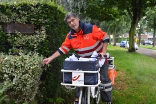 """Postbode Herwig gaat na veertig jaar met pensioen: """"Schrijf gerust dat ik doortrap"""""""