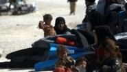 België repatrieert zes IS-vrouwen en tien kinderen uit Syrische detentiekampen