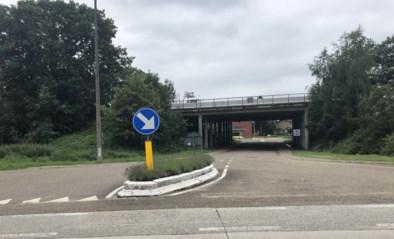 Proefopstelling aan brug onder E313 snel afgeschoten