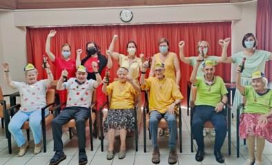 """Bewoners woon-zorgcentrum De Linde in de ban van de Tour: """"Met uitreiking gele, groene en bolletjestrui"""""""