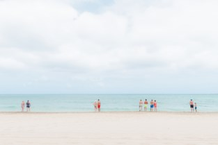 """Siegfried wint prestigieuze prijs met foto van toeristen op het strand: """"Graag zoek ik ook de lelijkheid op"""""""