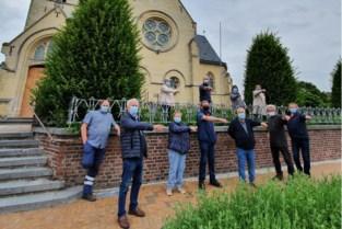 Reppelaren willen standbeeld van Sint-Willibrordus aan de kerk houden