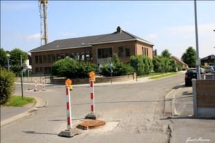 Afwerking Dekenijstraat en Kerkwegelakker uitgesteld tot na bouwvakantie