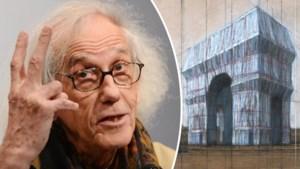 Ook postuum blijft Christo kunst maken: in Parijs is gestart met het inpakken van de Arc de Triomphe