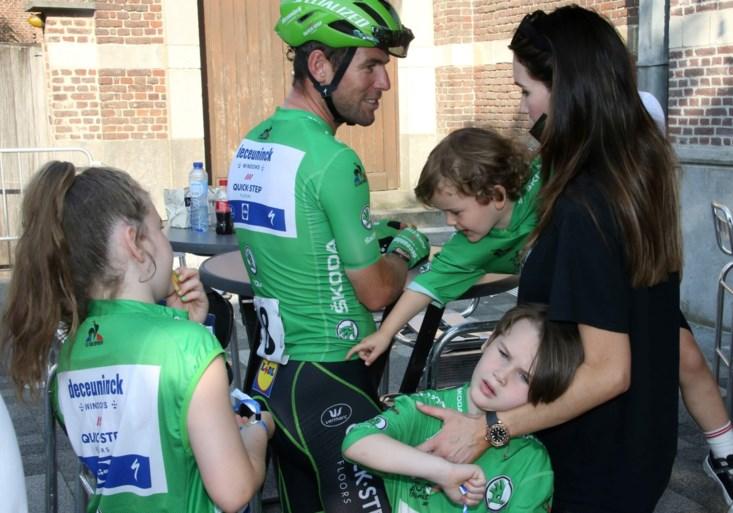 Schoon volk op na-tourcriterium Roeselare: Teuns en Philipsen beslissen weldra over Vuelta-deelname, winnaar Cavendish sprak nog niet over toekomst