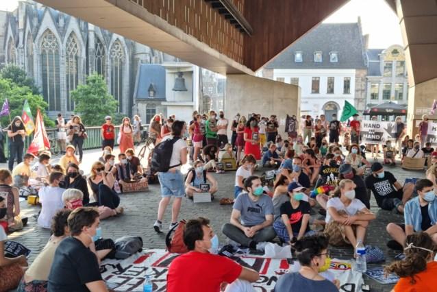 150 mensen protesteren in Gent voor solidariteit met 'sans papiers'