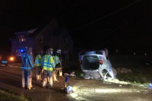 Auto op dak in Meldert: 67-jarige bestuurster uit Paal moet worden bevrijd