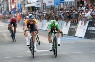 Mark Cavendish juicht, Tim Declercq krijgt rode lantaarn