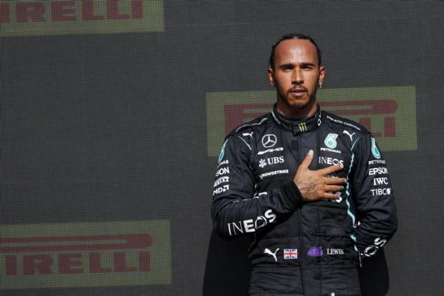Lewis Hamilton neemt contact op met Max Verstappen na zware crash in Silverstone