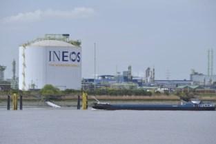 """Ineos vraagt opnieuw omgevingsvergunning aan, maar protest tegen fabriek blijft: """"Niet veel opgeschoten tegenover vorige versie"""""""