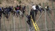 Meer dan 200 migranten dringen Spaanse exclave Melilla binnen
