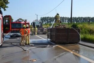 Snoeiafval in container vat vuur tijdens transport