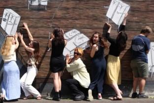 Jongerengroep fleurt festival op met kunst, zelfs tot in de toiletten