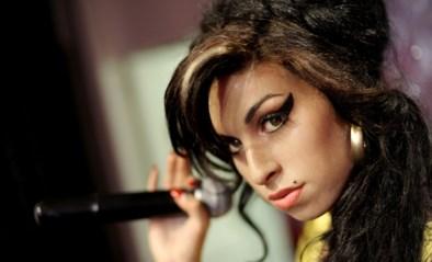 Een ode aan Amy Winehouse: zo zet je het perfecte streepje eyeliner