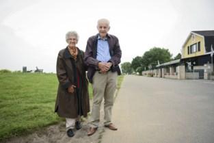 """Senioren genieten van herwonnen vrijheid op Linkeroever: """"Sint-Anneke heeft het allemaal!"""""""