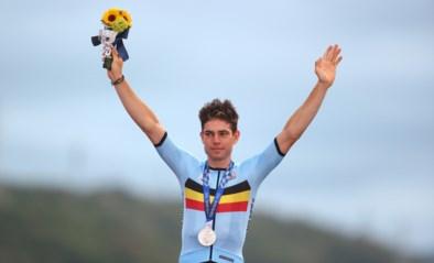 Ecuadoraan Richard Carapaz verrast de topfavorieten, uitblinker Wout van Aert sleept zilveren medaille uit de brand