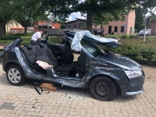 Drie gewonden na zware klap op kruispunt in centrum Olen