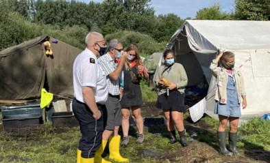 """Half dorp in de bres voor scoutsmeisjes nadat kampplaats onderloopt: """"Hartverwarmend"""""""