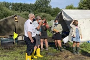 """Half dorp in de bres voor scoutsmeisjes nadat kampplaats onderloopt in Pulle: """"Solidariteit was hartverwarmend"""""""