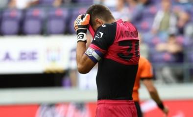 """Anderlecht-kapitein Hendrik Van Crombrugge na nederlaag: """"Als je jezelf twee keer in de voet schiet, wordt het moeilijk"""""""