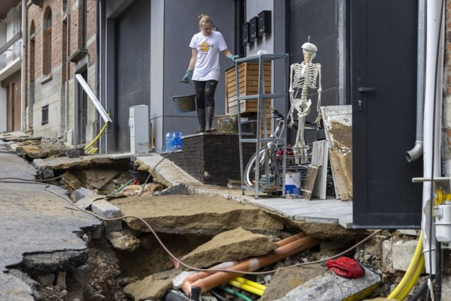 Namen volop bezig met opkuis: schade opmeten en hopen dat de voorspelde regen uitblijft