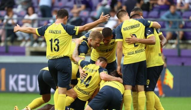 Pijnlijke valse start voor Anderlecht: Union straft defensieve blunders genadeloos af in Brusselse derby